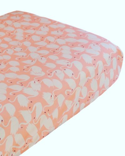 peach-swan-crib-sheet