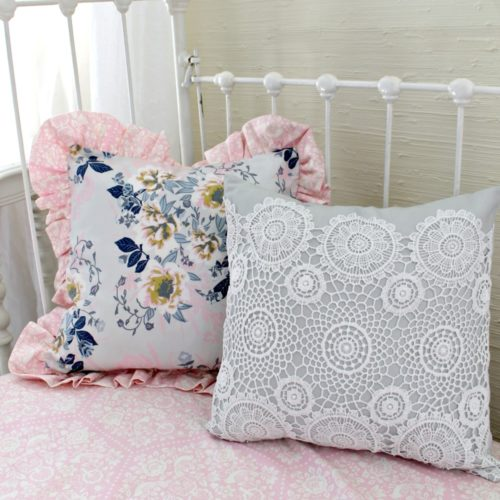 Lullaby Land Nursery Decorating Ideas: Ethereal Lullaby Blanket Bumperless Baby Bedding