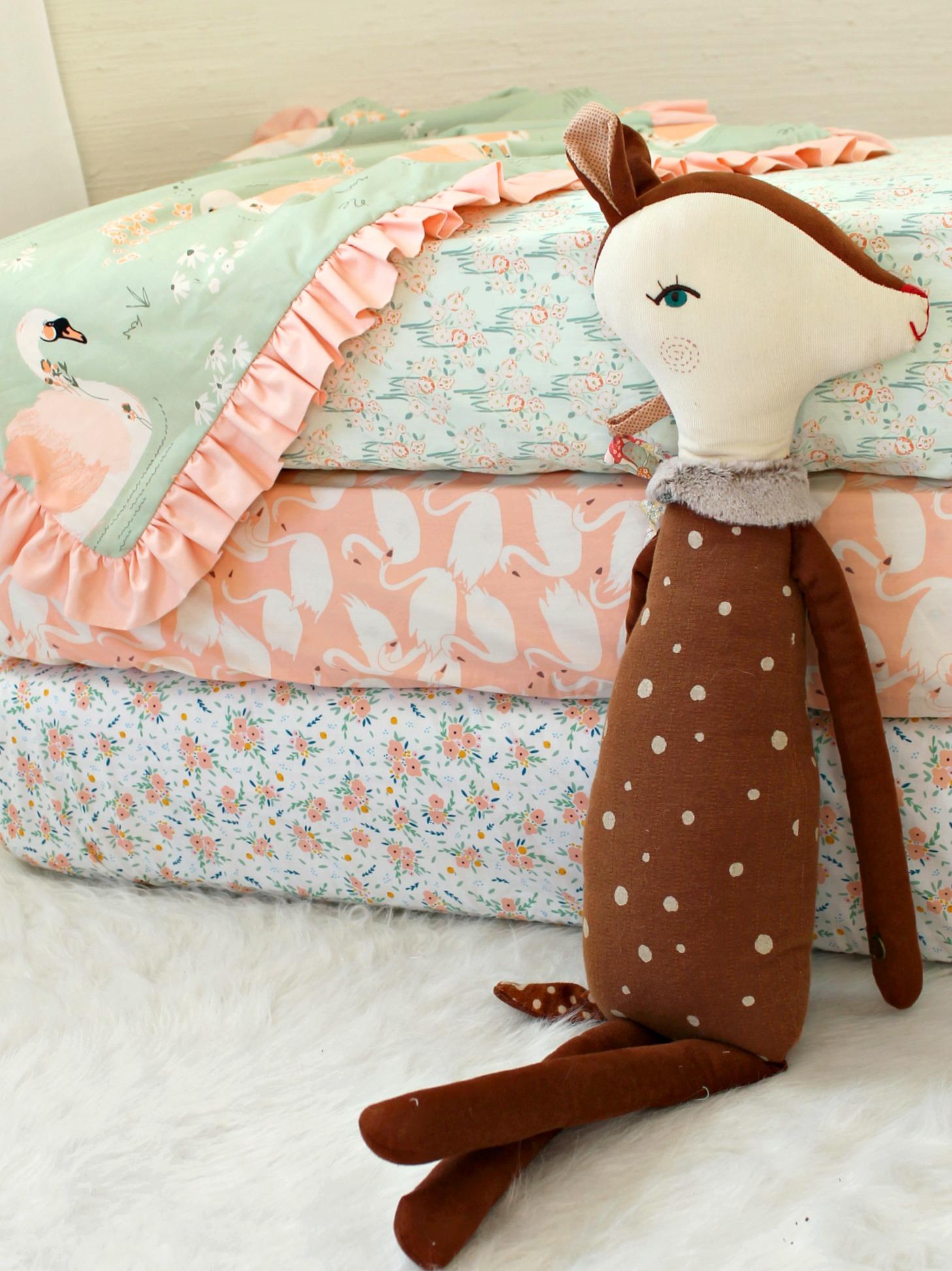 Swan Love Fitted Crib Sheets Lottie Da Baby