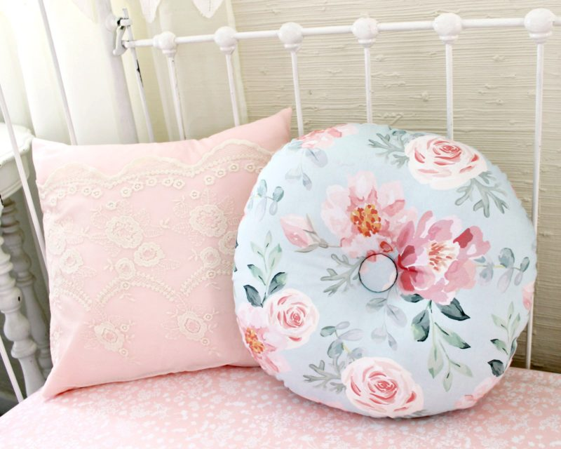Vintage Floral Round Pillow
